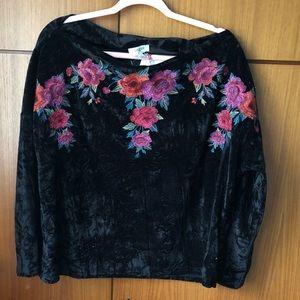 Umgee L Black Embroidered Crushed Velvet Shirt